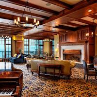 Oak Bay Beach Hotel Bar/Lounge