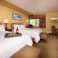 Evergreen Lodge Guest room