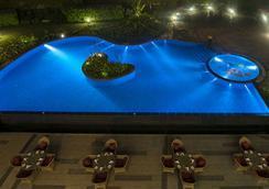 Radisson Blu Plaza Hotel Mysore - Mysore - Kolam