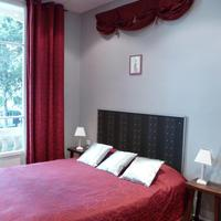 Hotel Victor Hugo Guestroom