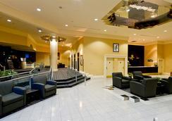 Rosedale On Robson Suite Hotel - Vancouver - Lobi