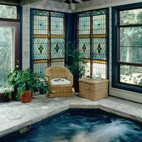 Noble Inns Jackson House Unwind in the heated spa pool at this San Antonio inn