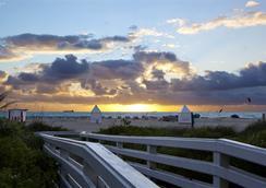 The Richmond Studios - Miami Beach - Pantai