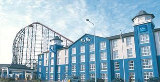 Big Blue Hotel - Blackpool - Bangunan