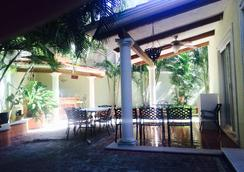 Hello World Hostel - Playa del Carmen - Serambi