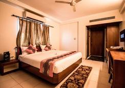 Hotel Suruchi - Gwalior - Kamar Tidur
