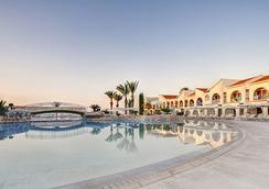 The Princess Beach - Larnaca - Kolam