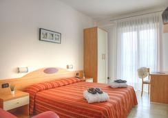 Hotel Menfi - Jesolo - Kamar Tidur