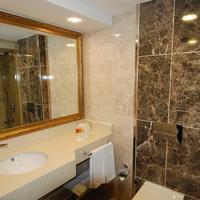 Ege Palas Business Hotel Bathroom