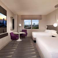 Hyatt Regency Los Angeles International Airport Guestroom