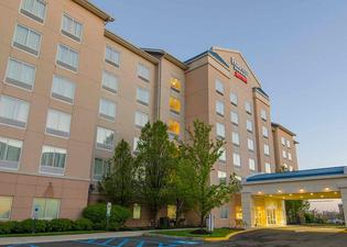 Fairfield Inn and Suites by Marriott Newark Liberty International Airport