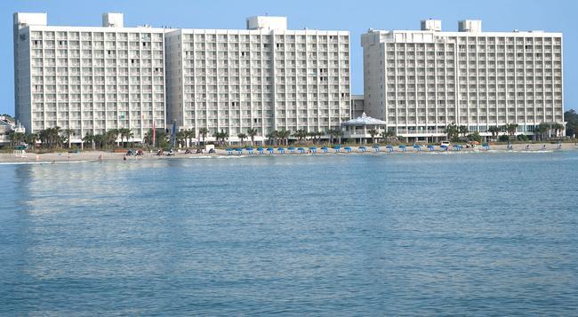Crown Reef Resort - Myrtle Beach - Building