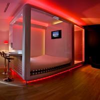Qbic Hotel Amsterdam WTC Guest room