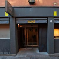 chic&basic Ramblas Hotel Front