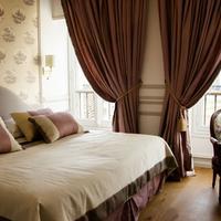 Villa Victor Louis Featured Image