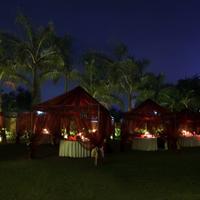 Hotel Express Residency Vadodara Outdoor Dining