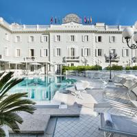Grand Hotel Des Bains Outdoor Pool