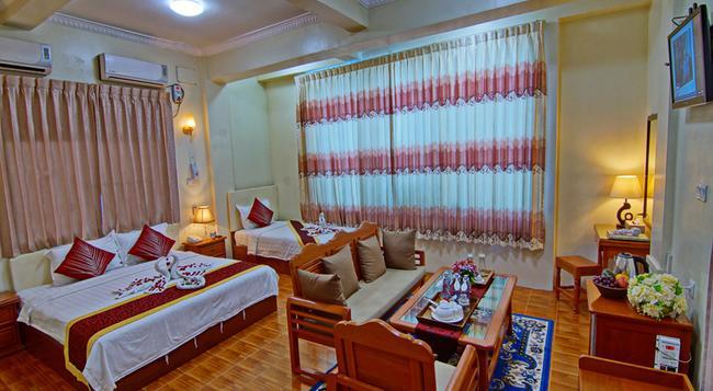 79 Living Hotel - Mandalay - Bedroom