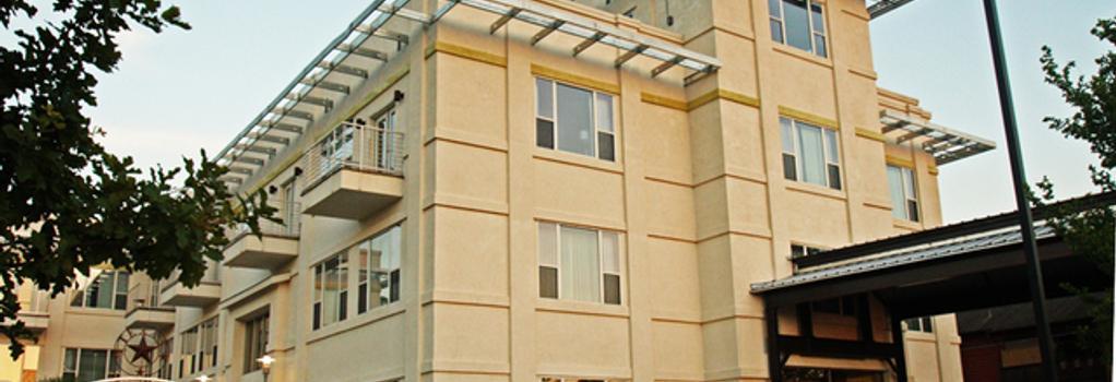 Casulo Hotel - Austin - Building