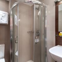The Judd Hotel Bathroom Shower
