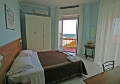Hotel Acapulco - Rimini - Kamar Tidur