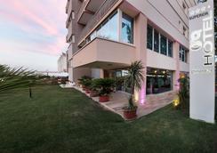 Hotel Ghirlandina - Rimini - Pemandangan luar