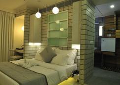 Hotel El Dorado - Ahmedabad - Kamar Tidur