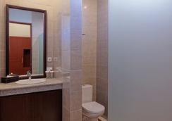 U Tube Hotel & Spa by Shailendra - South Kuta - Kamar Mandi