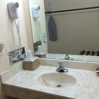 Regal Motel in Las Vegas, New Mexico Bathroom