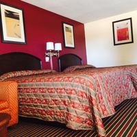 Regal Motel in Las Vegas, New Mexico Guestroom