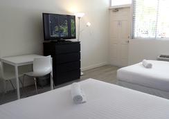 Beach Gardens A North Beach Village Resort Hotel - Fort Lauderdale - Kamar Tidur