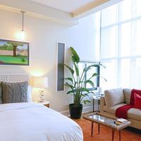 Henry Norman Hotel Guestroom