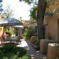 Pueblo Bonito Bed and Breakfast Inn Courtyard