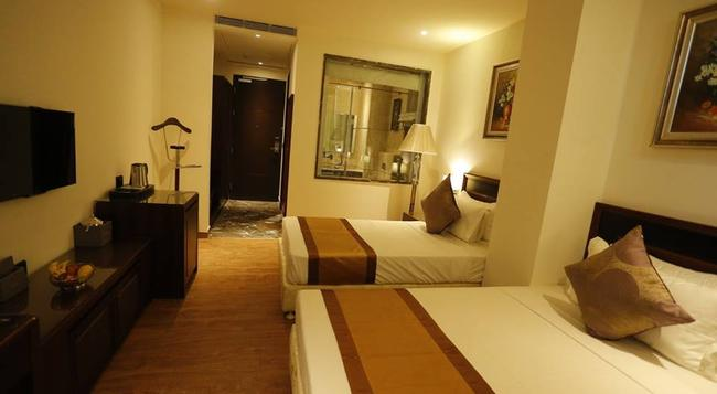 G Hotel - Agra - Bedroom
