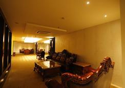 G Hotel - Agra - Lobi