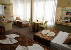 Hildegard Hotel - Alanya - Kamar Tidur