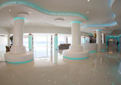 On Hotels Oceanfront - Matalascañas - Lobi