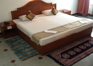 Hotel Kanishka - Phg