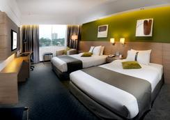 Grand Margherita Hotel - Kuching - Kamar Tidur