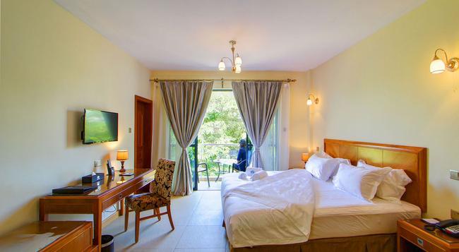 Lotos Inn & Suites - Nairobi - Bedroom