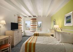 Days Inn & Suites Miami/North Beach Oceanfront - Miami Beach - Kamar Tidur