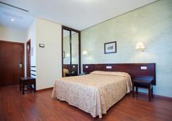 Hotel Derby Sevilla - Sevilla - Kamar Tidur