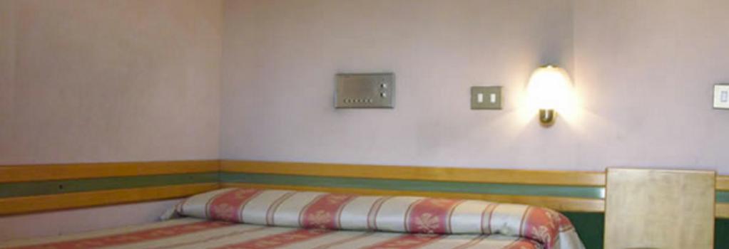 Hotel Pavia - Rome - Bedroom