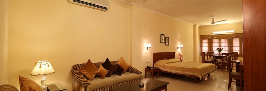 Airport Hotel - New Delhi - Bedroom