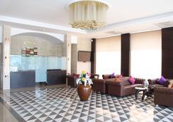 HOTEL GRAND VISAVA - Lonavala - Lobi