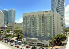 Courtyard by Marriott Miami Downtown Brickell Area - Miami - Bangunan