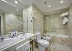 Hotel de Londres y de Inglaterra - San Sebastian - Kamar Mandi