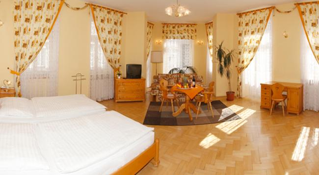 Excelsior - Carlsbad - Bedroom
