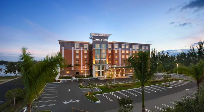 Cambria Hotel Miami Airport - Miami - Building