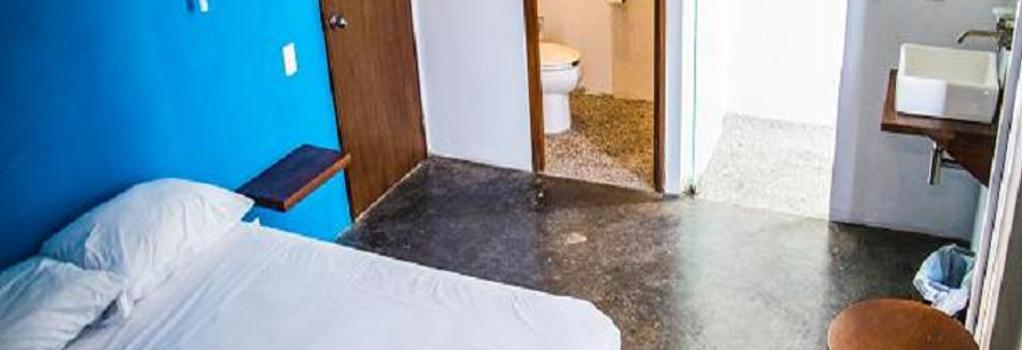 Hostal Olas Altas - Manzanillo - Bedroom